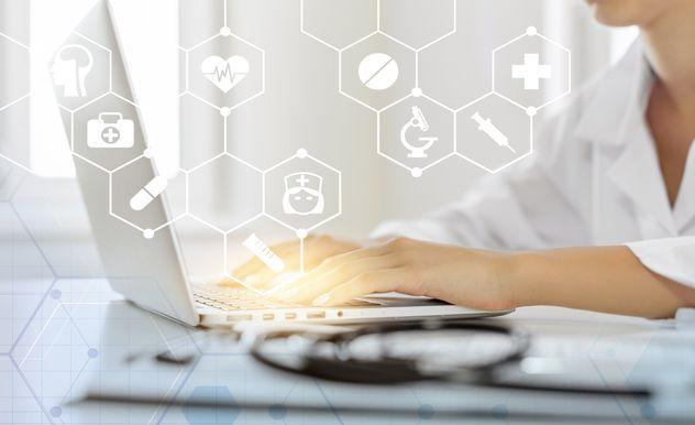 Um den Datenschutz in Arztpraxen ist es z.T. nicht sehr gut bestellt. Muster wollen Abhilfe schaffen.