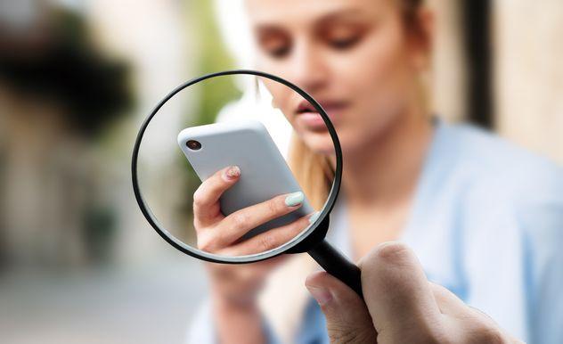 Device Fingerprinting ist eine mögliche Alternative zu Cookies: Der Gerätefingerabdruck macht sich zunutze, dass ein Browser auf jedem Endgerät individuell konfiguriert ist.