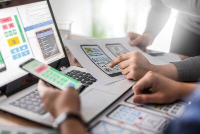 Eine zentrale Rolle bei der Datenschutz-Prüfung spielt, welche Daten die App für welche Zwecke verarbeitet