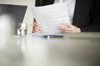 Die Nutzung der Standardvertragsklauseln bei der Datenübermittlung in Drittländer reicht allein nicht aus. Die Rechtslage im Drittland muss geprüft werden!